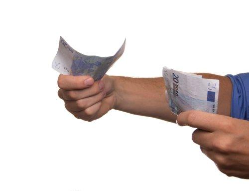 פתיחת חשבון בנק וניהולו לחלפן כספים ו/או נותן שירותי מטבע